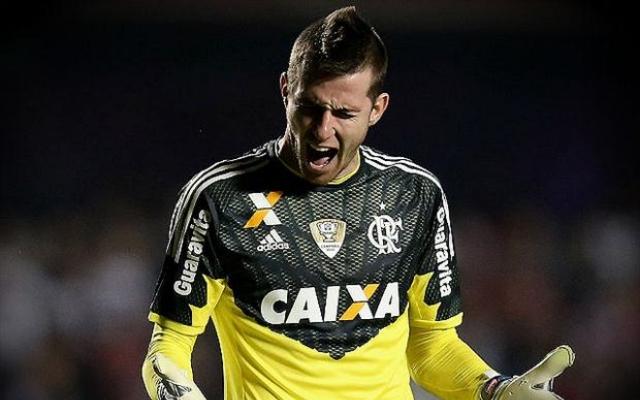 Paulo Victor analisa concorr�ncia pela titularidade no gol Fla e exalta estreia com vit�ria na Primeira Liga
