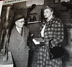 Amedeo Maiuri (Veroli 1886-Napoli 1963) and Ingrid Bergman at Archaeological Museum in Naples