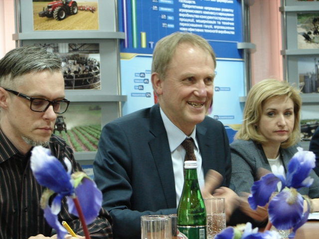 представники Євросоюзу в ОДА, Sony DSC-H1