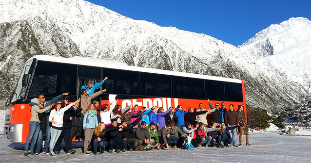 snowy-group-with-stray-bus