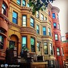 #Repost @mattemar don't ya just luv #Harlem brownstones? The best!  #NYC #USA #brownhouses