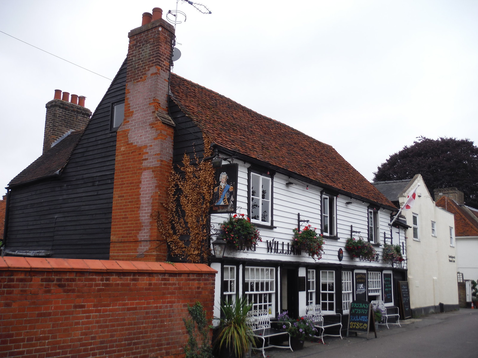 King William IV Pub, Sawbridgeworth SWC Walk 164 Roydon to Sawbridgeworth via Henry Moore Foundation