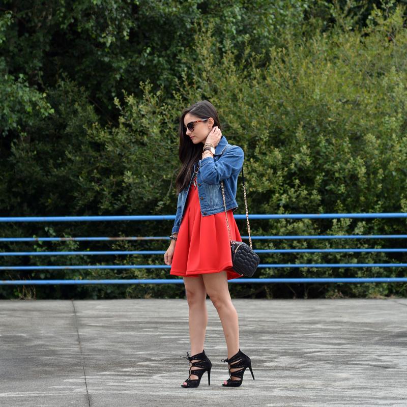 zara_abaday_ootd_outfit_vestido_rojo_denim_02