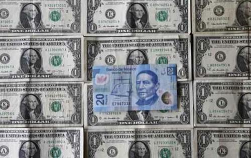El dólar avanza y se vende hasta en 17.45 pesos