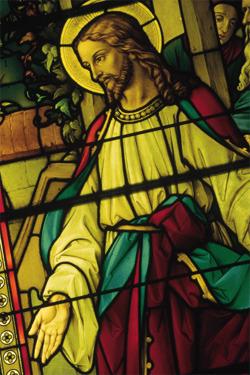 витражное стекло в церкви