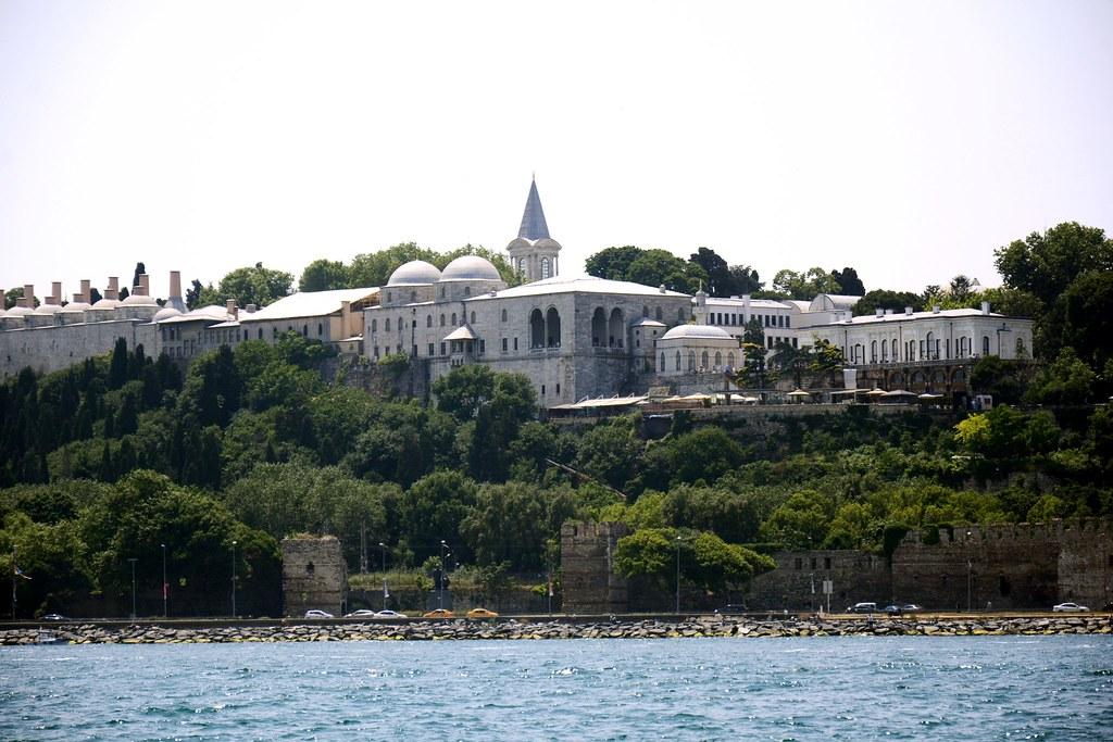 丘の上のトプカプ宮殿