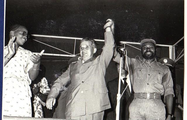 Mosambikin ensimmäinen presidentti Samora Machel kuvassa oikealla.
