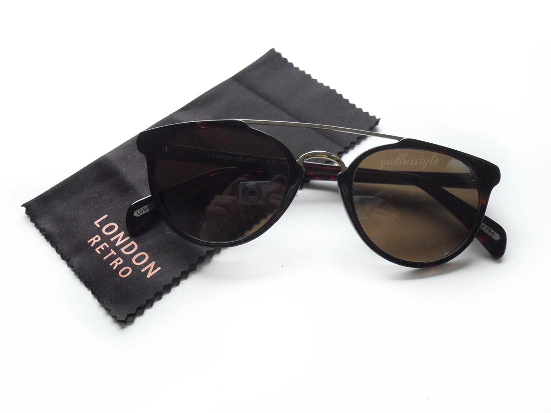 London Retro with Sunglasses Shop
