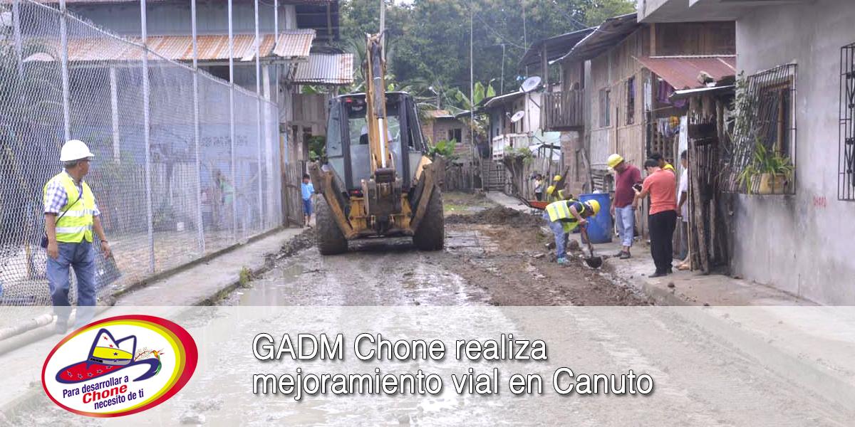GADM Chone realiza mejoramiento vial en Canuto
