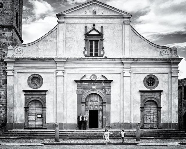 At the Civita di Bagnoregio piazza