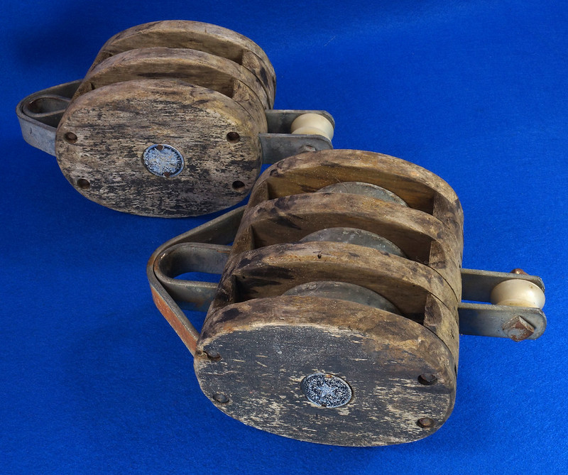 RD10432 Vintage Boston & Lockport Large Triple & Double Barn Block & Tackle Wood Pulley DSC08490