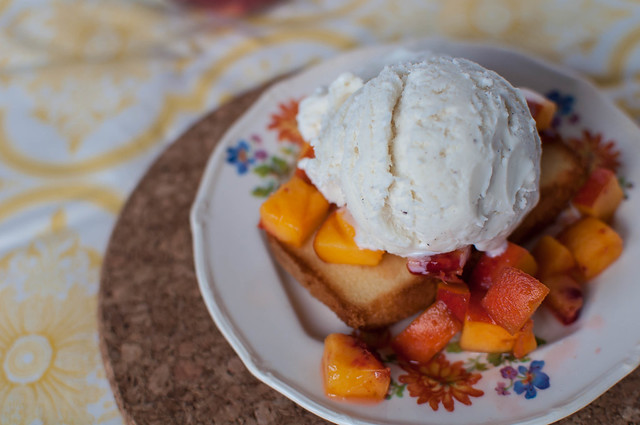Pound Cake and Peaches Sundae 4
