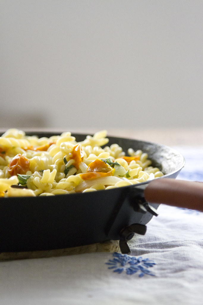 one-pot pasta for camping and tiny apartments | reading my tea leaves