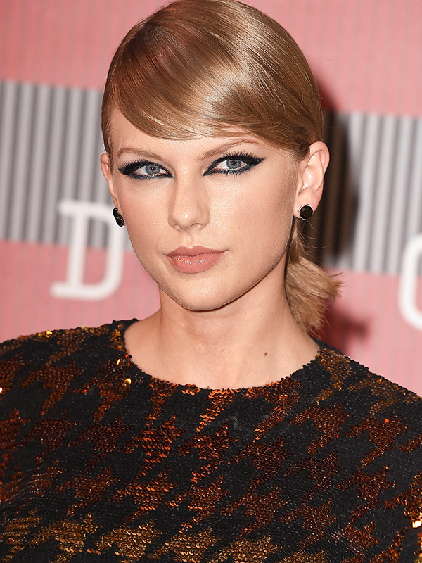 Taylor Swift VMA 2015 Hair and Makeup