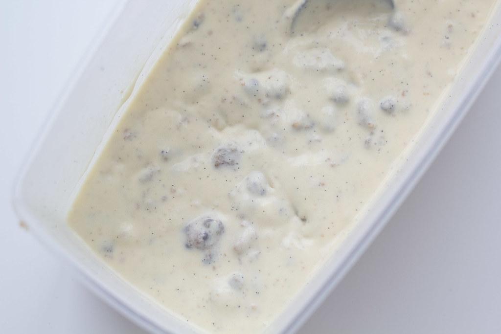 Vaniljeis med cookie dough