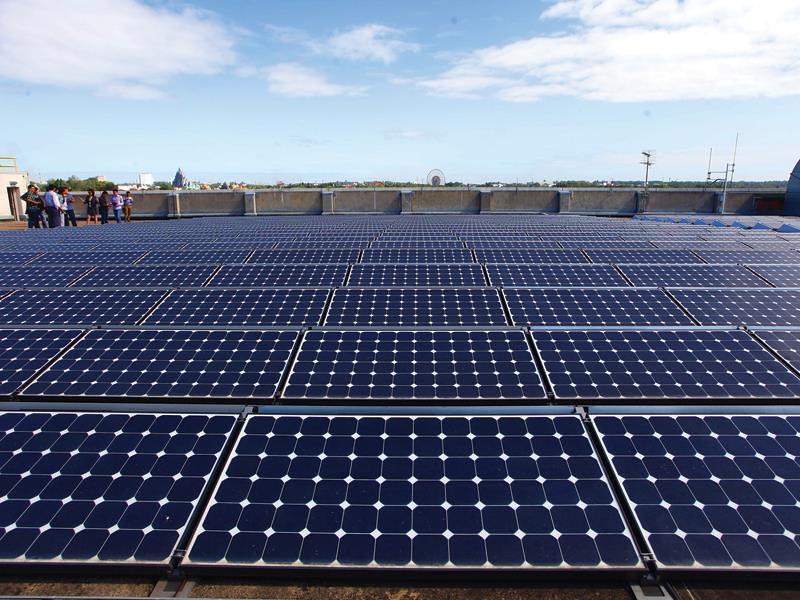 Chưa phải quá nhiều, nhưng đã bắt đầu có nhiều nhà đầu tư quan tâm đến việc đầu tư các dự án điện mặt trời tại Việt Nam. Ảnh: Đ.T