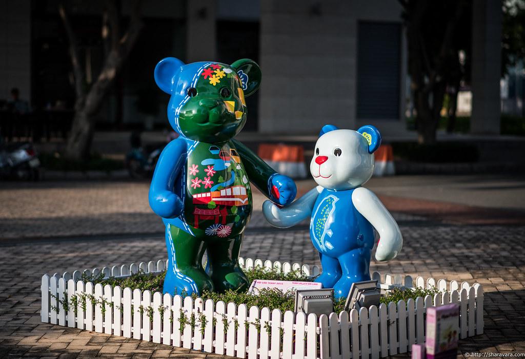 phu-my-hung-teddy-bears.jpg