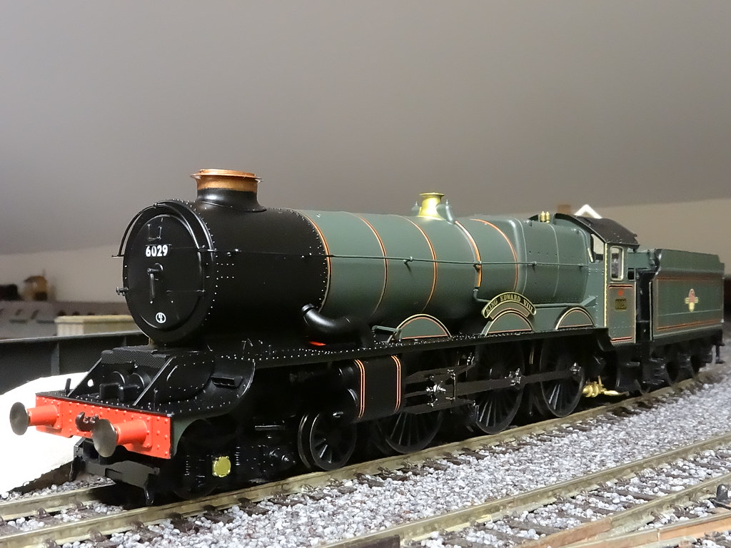 6029 King Edward VIII, Hornby R3332
