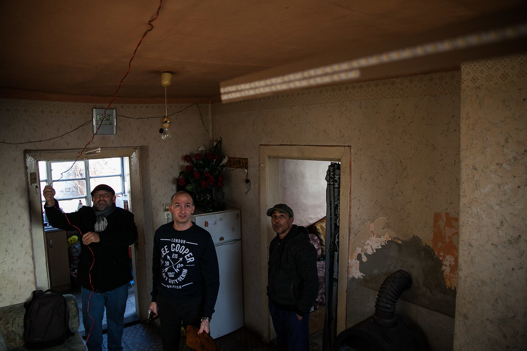 20161208 Bódvalenke és Bicske világító csíkok Romaversitas