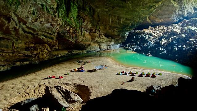 Campsite Hang En Cave, Sony DSC-RX100, Sony 28-100mm F1.8-4.9