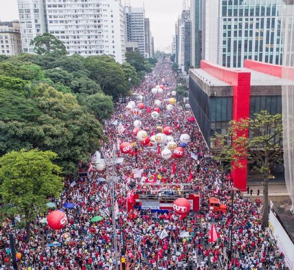 No último dia 15 de março, manifestações ocorreram pelo país; na avenida Paulista (foto), ato reuniu 200 mil pessoas - Créditos: Carlos Zuca/CUT