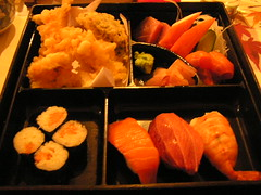 hors d'oeuvre(0.0), meal(1.0), fish(1.0), sushi(1.0), seafood(1.0), japanese cuisine(1.0), food(1.0), dish(1.0), cuisine(1.0), osechi(1.0),