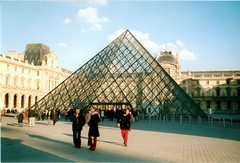 Pyramide, Paris