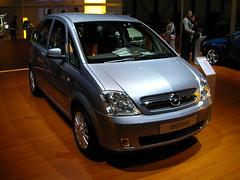commercial vehicle(0.0), minivan(0.0), compact sport utility vehicle(0.0), city car(0.0), automobile(1.0), automotive exterior(1.0), opel(1.0), sport utility vehicle(1.0), vehicle(1.0), bumper(1.0), land vehicle(1.0), luxury vehicle(1.0),