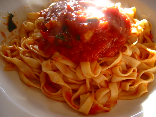 Homemade pasta with Oma Sauce