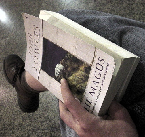 airportwaiting2