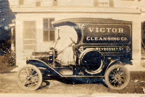 Victor Cleansing Co. Truck by midgefrazel