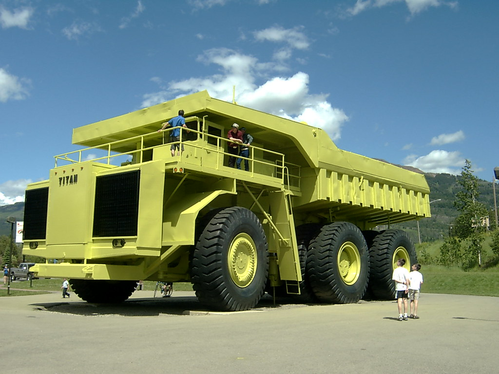 Biggest Truck In The World >> The Biggest Truck In The World It Was Pretty Big I Guess Flickr