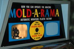 Mold-A-Rama Lives!