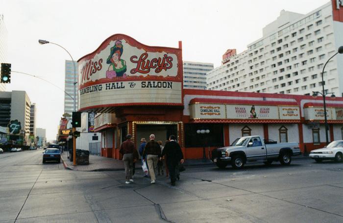 Спарта игровые казино автоматы вулкан