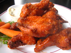 buffalo wing, chicken meat, fried food, chicken tikka, orange chicken, general tso's chicken, tandoori chicken, food, dish, cuisine, fried chicken,