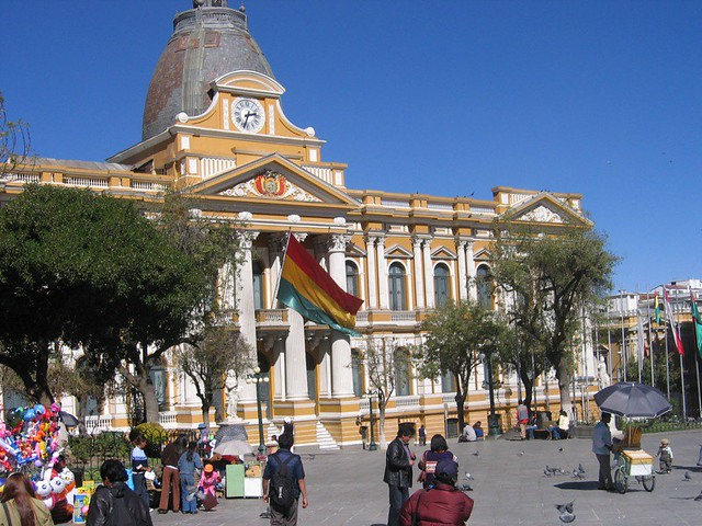 Bolivian government building | Flickr - Photo Sharing!