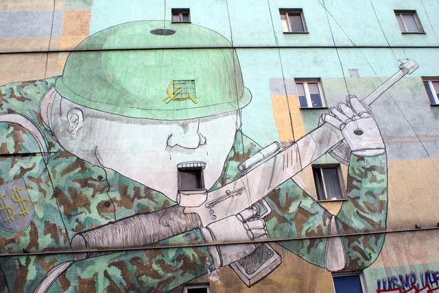 Blu et ses mercenaires au service du capital américain ou européen (aucune différence)