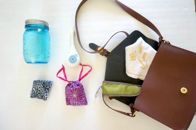 Zero Waste Traveling: What's in My Purse