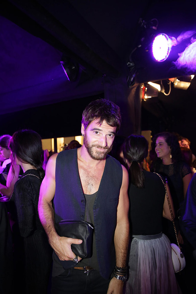 _ilcarritzi_alfonso_bassave_fotos_ambiente_carpa_vip_celebrities_vogue_fashion_night_out_vfno_2015_579920347_800x