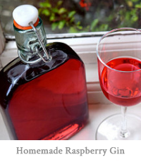 Homemade Raspberry Gin