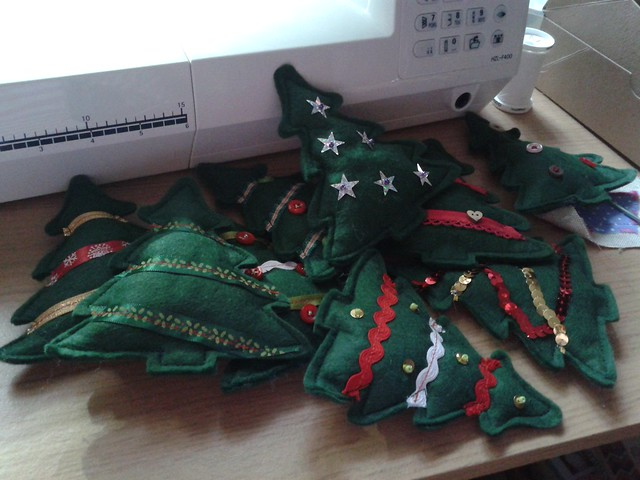 Xmas tree bunting in the making (1)