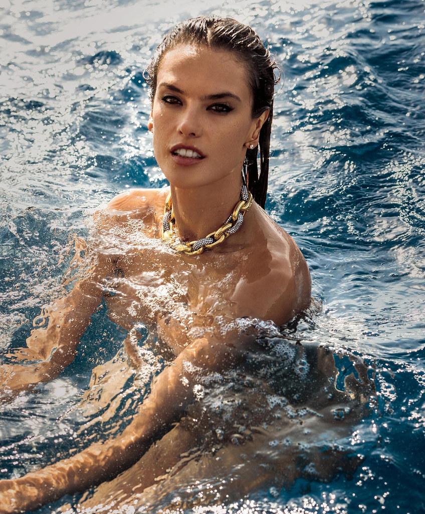 Алессандра Амбросио — Фотосессия для «Maxim» 2015 – 6