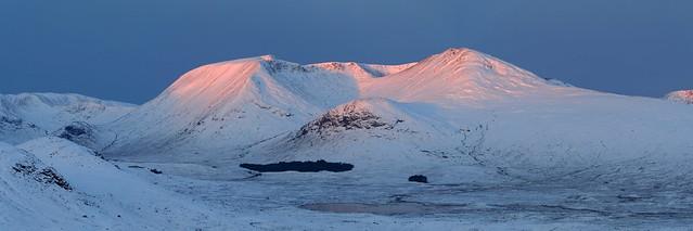 Clach Leathad & Meall a' Bhúiridh - from Cúl Glas Bheinne, Central Highlands, Scotland  13-12-15