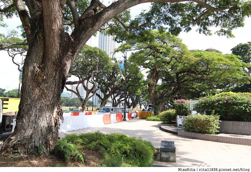 《遊記》新加坡‧新達城(Suntec City)「財富之泉(Fountain of Wealth)」,觸碰泉水帶來好運,晚上還有雷射燈光秀呢!【含新加坡公車搭乘教學】