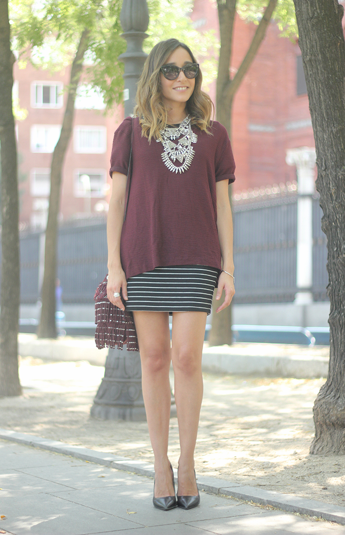 Striped Skirt With Burgundy T-shirt And Fringed Bag Summer Outfit01