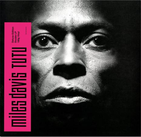 15i07 Tutu Miles Davis Fotografiado por Irving Penn