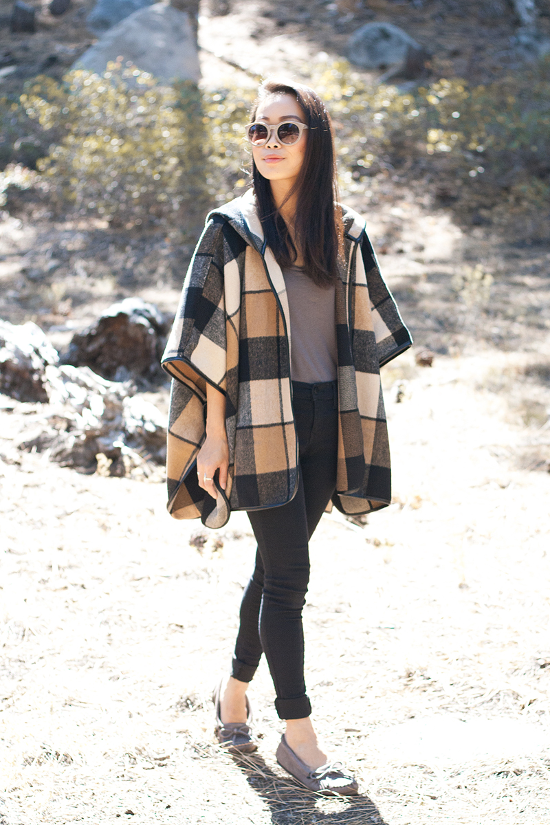 04-plaid-poncho-moccasin-tahoe-travel-style-fashion
