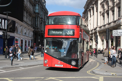 Arriva London North LT224 LTZ1224