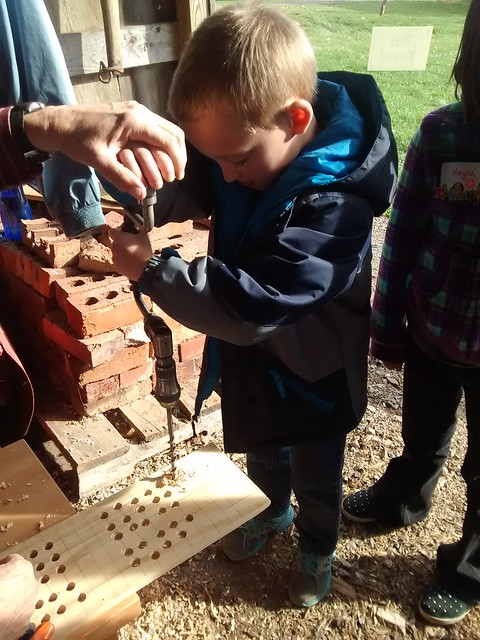 Oct 29 2015 Heritage Farm 1st grade field trip Elden (13)