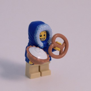 LEGO City Advent 2015 Day 3: Food